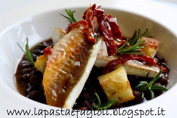 """Zuppa-di-ceci-neri-di-Pomarico,-con-Gallinella,-pomodoro-di-""""Ciettaicale""""-e-pane-croccante-di-Matera"""