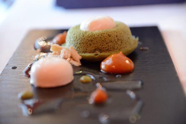 Spugna al basilico, fondata di mozzarella di bufala, pomodoro secco in pomata la sua acqua e colatura di alici tarallo sbriciolato (1)