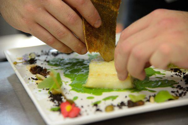 baccalà alla griglia su crema di scarola Alla Monachina (2)