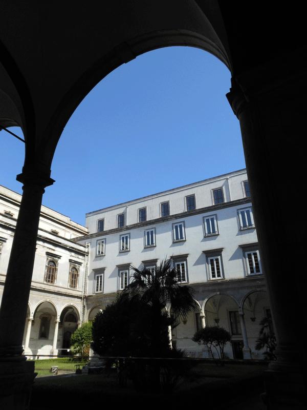 il-Chiostro-dell'Archivio-di-Stato-di-Napoli