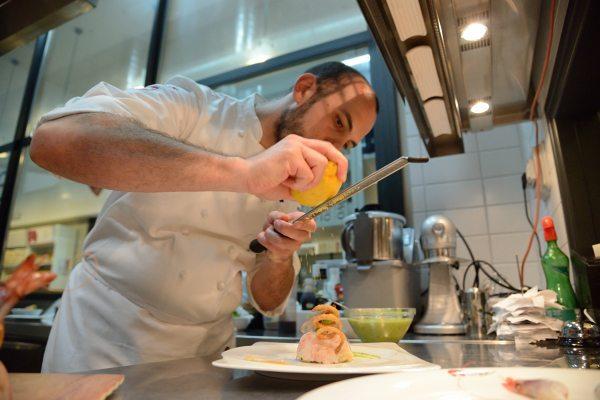 Risotto Carnaroli con gamberi di Mazara al profumo fresco di limone (8)