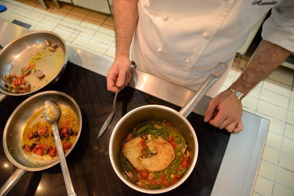 Zuppetta di cozze con fresella e peperoncini verdi di Fiume (1)