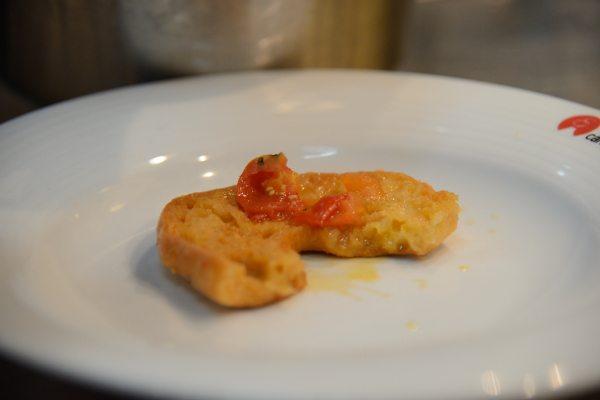 Zuppetta di cozze con fresella e peperoncini verdi di Fiume (3)