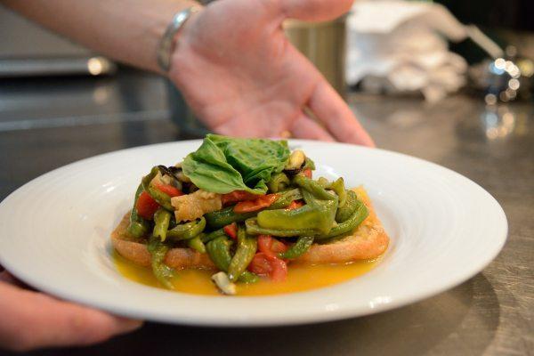 Zuppetta di cozze con fresella e peperoncini verdi di Fiume (6)