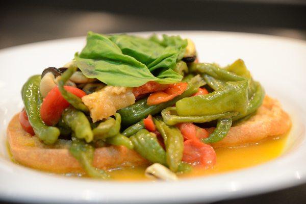 Zuppetta di cozze con fresella e peperoncini verdi di Fiume (8)