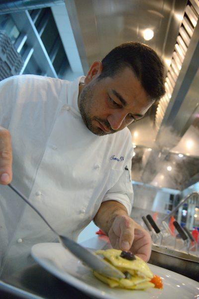 raviolo di baccalà mantecato con olive capperi e pomodorini (3)