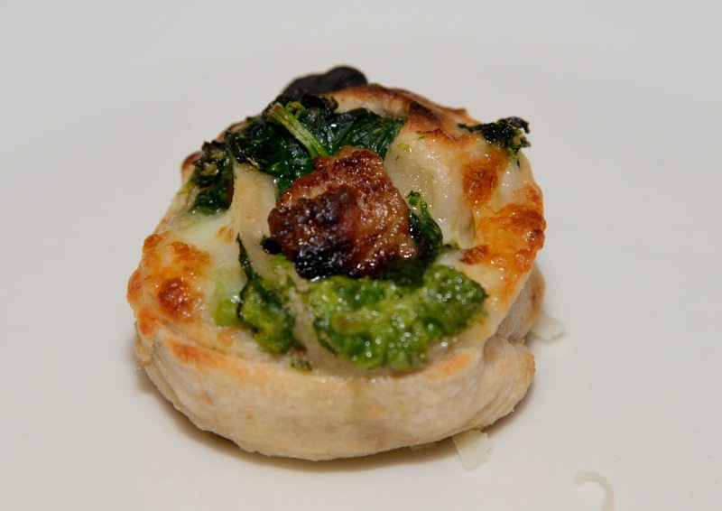 Bocconcino di benvenuto salsiccia e broccoli, con impasto al Chiaretto