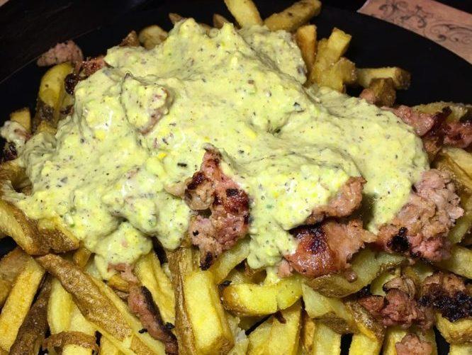 King Lear - Patate fresche con salsiccia e pistacchi