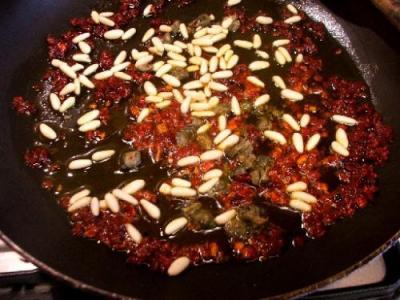 Capuliato, basilico e pinoli