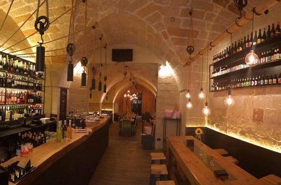 300 vini e 300 birre da Mastro (Lecce), la prima ENOMALTOTECA d?Italia