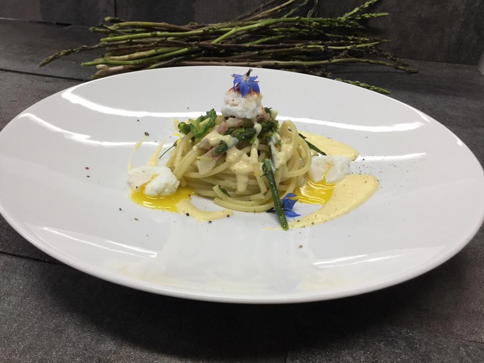 bucatini con asparagi Daddio