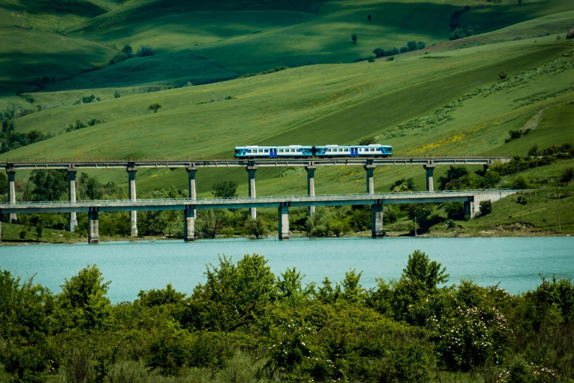 2)Irpinia-Exress_Il-treno-delle-tre-docg
