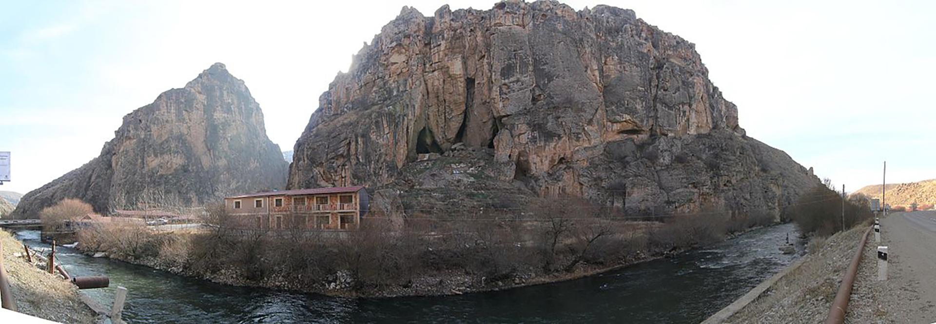 La grotta di Areni con la cantina più antica del mondo