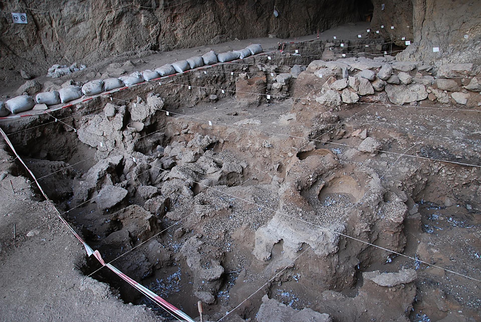 La cantina nella grotta Areni-1 Cave
